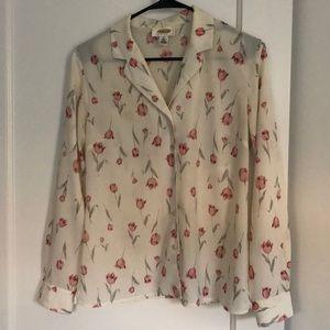 🌷 Tulip print button down blouse 🌷
